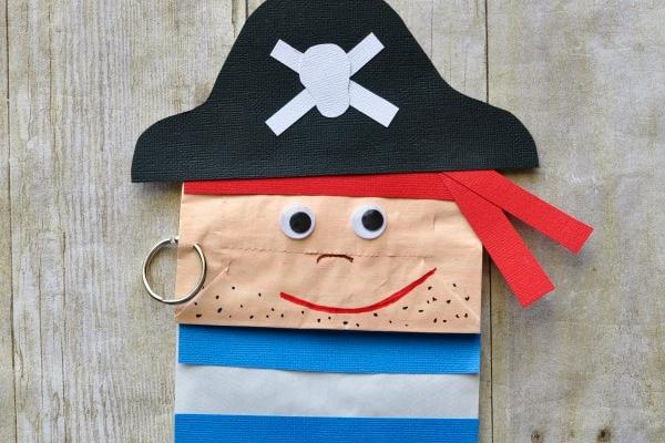 Marionnette pirate